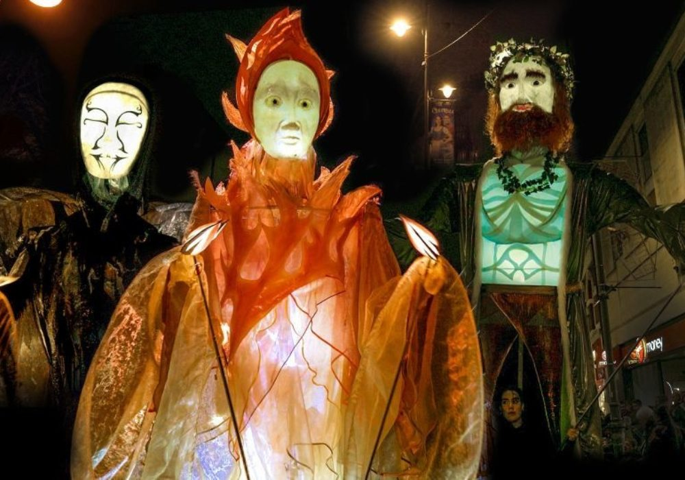 3 Ghosts1